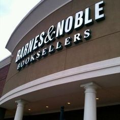 Lee Kelly will be volunteering at the Barnes & Nobel store in Marietta, Georgia.