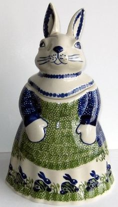 Polish Pottery Mama Bunny Rabbit Cookie Jar Canister Spring Bunny Rabbit by Manufaktura Ceramic Decor, Ceramic Pottery, Polish Folk Art, Vintage Cookies, Cute Cookies, Pottery Making, Polish Pottery, Cookies Et Biscuits, Stoneware