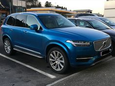 KristianさんはInstagramを利用しています:「 ONE OF A KIND pic 1/2. Spotted this XC90 T8 INSCRIPTION Wrapped in BURSTING BLUE (R-design colour) The original colour of this car is black #frydenbø #xc90 #volvoxc90 #volvo_pics #volvoforlife #volvolove #volvo4life #swedishmetal #volvofamily #madebysweden #volvo #thevolvospotter #volvonation #volvomoment #swedespeed #volvospeed」