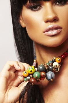 Costume Jewelry and Fashion Jewelry: Is There a Difference?