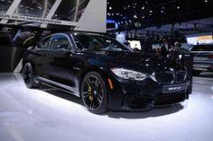 Детройт2014 | Баварцы показали новые BMW M4 и M3. На Североамериканском автошоу компания BMW приехала с новыми BMW M3 и M4. Седан и купе обладают схожим дизайном (отличия только в количестве дверей), а также одним и тем же двигателем. Это 3,0-литровый 6-цилиндровый TwinPower Turbo мощн