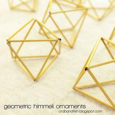 Celebrate Christmas with these DIY Scandinavian-inspired geometric Himmeli ornaments! Modern Christmas Ornaments, Christmas Projects, Christmas Fun, Geometric Decor, Geometric Shapes, Diy For Teens, Diy For Kids, Geometric Sculpture, Diy Home Crafts