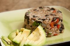 Gallo Pinto: Costa Rican Breakfast: Actually, I eat this for lunch, a lot. Gallo Pinto: Costa Rican Breakfast: Actually, I eat this for lunch, a lot. Cuban Rice And Beans, Rice Recipes, Vegan Recipes, Costa Rican Food, Gallo Pinto, Pancake Stack, Rainbow Food, Roasted Tomatoes, Fish Dishes