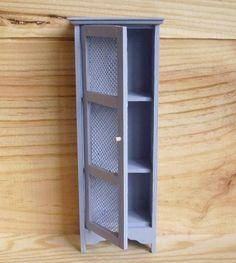 Simple plywood, pin hinge for door
