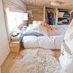 Wykorzystanie drewna w małej sypialni