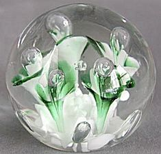 Vintage Glass Paperweights | Vintage Art Glass Paperweight with Green Flowers (General) at ...