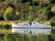 Classic 65 Bridgedeck Cruiser Ed Monk Sr Design For Sale, 1939 Cruiser Boat, Cabin Cruiser, Yacht Boat, Boat Dock, Vegas, Fishing Boats For Sale, Plywood Boat Plans, Classic Yachts, Boat Building Plans