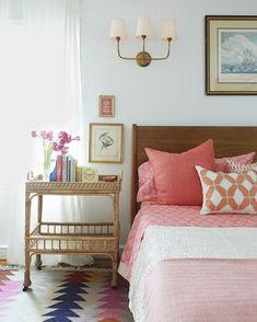 deko ideen schlafzimmer beige wände offene regale wanddeko ... - Stilvolle Dekorationsideen Schlafzimmer