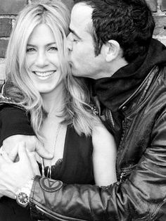 Jennifer Aniston & Justin Theroux are engaged! How cute are they? Wedding High