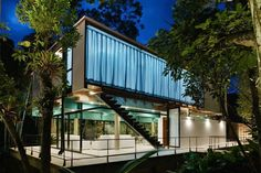 Not a Container, but almost...    Modern Residence In The Atlantic Rainforest #house #design