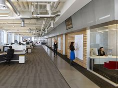High open ceilings in New Relic's San Francisco HQ. Perforated Metal Panel, Metal Panels, Commercial Office Design, Open Ceiling, Colored Ceiling, Cool Office, Steel Wall, Colorful Furniture, Flooring