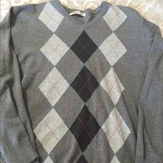 Argyle sweater from Old Navy sz XXL MENS Argyle sweater in XXL MENS. Great buy Old Navy Sweaters V-Necks