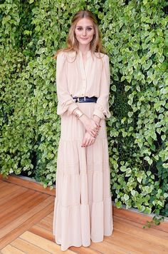 Olivia Palermo channels her inner boho babe in this flowing off-white Mango maxi dress.