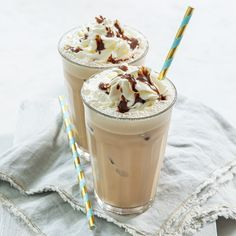 Frappuccino mokka Smoothie Drinks, Smoothies, Frappuccino, Frappe, Goulash, Pasta, Panna Cotta, Deserts, Food And Drink