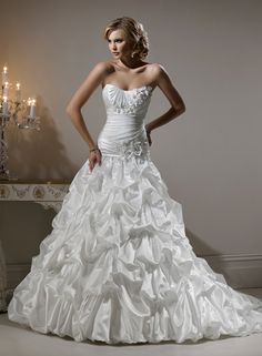 Large View of the Roxanne Bridal Gown
