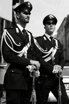 The carabinieri... When I'm in Milan I always like to act as if I'm lost and ask them for my way...