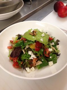 House smoked Salmon and avo salad with espresso toasted walnuts Meredith goats feta heirloom tomatoes and citrus glaze #amazing #delicious #meetinghubcafe