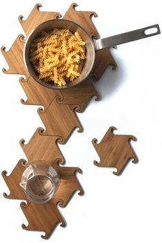 WOOD DESIGN BLOG || Kitchen Accessories || Beautifully designed kitchen objects of, or incorporating, wood || #wood #kitchen #accessories  || Dutch design studio Michiel Cornelissen Ontwerp via Design Milk