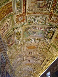 Beautiful ceiling inside the museum, Vatican City (by llahsram).