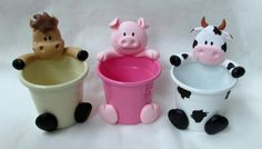 Animales de granja Tractor Birthday, Farm Birthday, Polymer Project, Polymer Clay Crafts, Creative Activities, Activities For Kids, Cow Baby Showers, Reuse Plastic Bottles, Happy Party