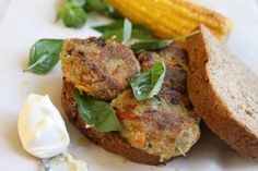 Veggie Burger by California Bakery Oats Recipes, Vegetable Recipes, Vegetarian Recipes, Healthy Recipes, Salty Foods, Salmon Burgers, Food For Thought, Good Food, Brunch