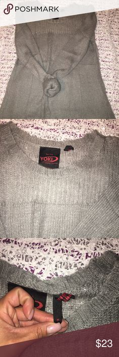 Yoki New York Sweater Loose fitting with a longer length. Super cute with leggings. Warmer weather Sweater. Only worn once. Size medium. Yoki Sweaters Crew & Scoop Necks