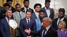 Just days after they capped off a national championship season in the Mercedes-Benz Superdome with President Trump in attendance, the LSU Tigers stopped by the White House on Friday to be honored by the commander-in-chief. Lsu Tigers Football, College Football, Alabama Football, Clemson, American Football, Coach Of The Year, Football Quotes, Louisiana State University, Odell Beckham Jr