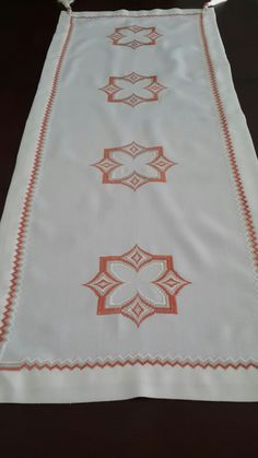 Bargello, Blackwork, Embroidered Towels, Craft, Hardanger Embroidery, Hand Embroidery, Punto De Cruz, Lyrics, Dots