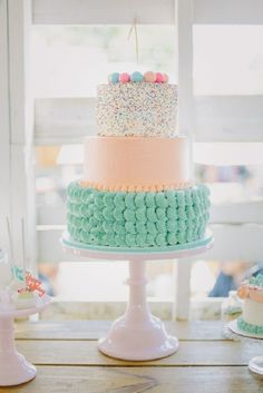 9 gorgeous centerpiece cakes for your next party! http://bestfriendsforfrosting.com/2014/05/cake-crushes/