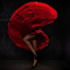 In recent years flamenco has become popular all over the world. Flamenco performers and professionals Dance Art, Ballet Dance, Ode An Die Freude, Art Encadrée, Ballet Pictures, Photo D Art, Lets Dance, Dance Photography, Fashion Photography