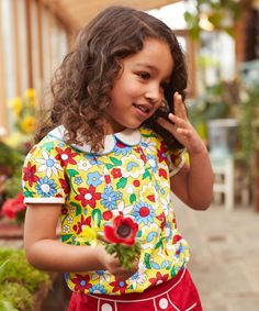 Little Bird by Jools Floral Blouse has been designed in a soft cotton with a pretty and bright floral print and finished with a peter pan collar, and a contrast trim on the sleeves for an extra cute touch. Floral Blouse, Floral Tops, Floral Prints, Little Bird By Jools, Cool Kids Clothes, Kids Tops, Girls Blouse, Kids Fashion, Cool Outfits