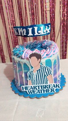 Bolos One Direction, One Direction Birthday, One Direction Cakes, Harry Styles Birthday, Harry Birthday, Queen Birthday, 14th Birthday, Brithday Cake, Pretty Birthday Cakes