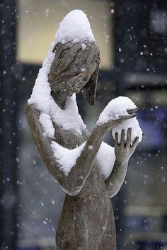 Les femmes et la neige by Zardini Walter