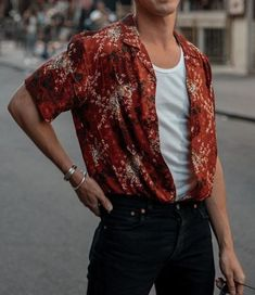 What are some great casual outfit for guys? Today we are talking all about casual outfit for guys and how you can wear them with a […] Mode Outfits, Casual Outfits, Fashion Outfits, Fashion Trends, Fashion Styles, Summer Outfits Men, Fashion Advice, Vintage Summer Outfits, Cochella Outfits