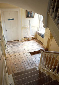 natural wood floors and stairway Natural Wood Flooring, Wooden Flooring, Plank Flooring, Wood Planks, Coastal Homes, Cottage Style, My Dream Home, Future House, Beautiful Homes
