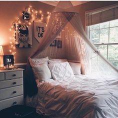 dreamy romantic bedroom designs that will make your .- verträumte romantische Schlafzimmer-Designs, die Ihren Traum erfüllen werden dreamy romantic bedroom designs that will make your dream come true - Cozy Bedroom, Dream Bedroom, Master Bedroom, Stylish Bedroom, Bedroom Inspo, Bedroom Decor For Teen Girls Dream Rooms, Bedroom Ideas For Small Rooms Cozy, Simple Rooms, White Bedroom