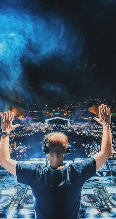 Blue for Armin 💙💙 Trance Music, Edm Music, Armin Van Buuren, Dj Dj Dj, Old School Music, Best Dj, Edm Festival, Minimalist Wallpaper, Music Wallpaper