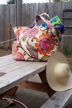 We're obsessed with this very cute beach bag that @Muse of The Morning made out of @HGTV HOME fabric!