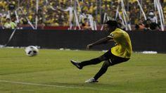Prensa internacional habla de Ronaldinho en la Noche Amarilla
