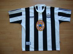 Newcastle United football shirt 1995 - 1997 sponsored by Newcastle Brown Ale Old Football Shirts, Classic Football Shirts, Football Kits, Football Soccer, Soccer Jerseys, Newcastle Brown Ale, Newcastle United Football, British Football, Jersey Shirt