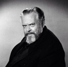Hoy hace 100 años nacía el que fuera considerado el mejor director en la historia del cine. Orson Welles. Feliz Miercoles