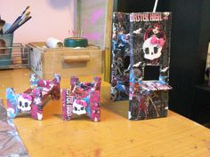 Super reciclado on pinterest navidad mesas and sombreros - Camas monster high ...