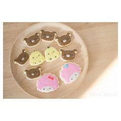 คลาสเรยนคกกรอยลไอซซง #squaready#ponkumwan #homemade #heartmade #bakery #cupcake #cake #fudge #brownie #dark #choccolate #fondant #sugarart #pastel #cute #girl #hbd #feel #good #sweet #dessert #custommade #cnx #thailand #shipping #ems #promotekanometc #moomin #kumamon by ponkumwan