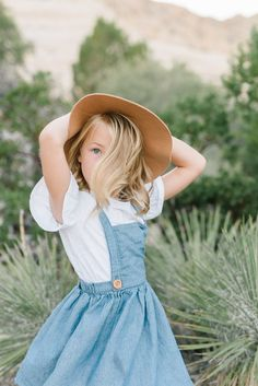 Lacey Alexander Utah Photographer Southern Utah Photographer Snow Canyon Family Posing Posing Ideas St George Photographer What to Wear Family Photography Inspira. Clothing Photography, Lifestyle Photography, Family Photography, Photography Ideas, Toddler Girl Photography, Outfits Niños, Kids Outfits, Fashion Outfits, Little Girl Outfits