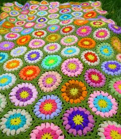 Vintage afghan, crocheted throw, circle pattern, for inspiration, no pattern
