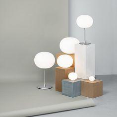 Glo-Ball Basic: Scopri la lampada da tavolo Flos modello Glo-Ball Basic