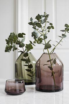 vase Bei Nord - Bifrost Vase Rauch - Blumenarrangements im Haus Objet Deco Design, Deco Floral, Décor Boho, Autumn Home, Vases Decor, Flower Vases, Decorating Tips, Interior Styling, Interior Inspiration