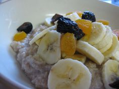 Make warm, hearty, delicious oatmeal in minutes - on the stove top! Cooking Oatmeal, Stove Top Recipes, Looks Yummy, Recipe Collection, Real Food Recipes, Food To Make, Breakfast Recipes, Food And Drink, Warm
