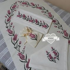 Cross Stitch Flowers, Cross Stitch Patterns, Prayer Rug, Baby Knitting Patterns, Embroidery Stitches, Needlework, Origami, Diy And Crafts, Prayers
