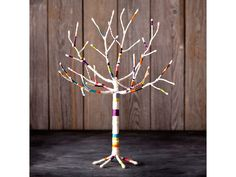 Craft Crush Yarn Tree - Branch out to new heights of creativity with this Craft Crush Yarn Tree Kit. Includes everything you need to make a unique decorative piece that looks cool in your home and even works as a fun jewelry holder.  Find it easily at https://www.bulbhead.com/craft-crush-yarn-tree.html #giftsforkids #gifts #kids #artsandcrafts #bulbhead #brightideas